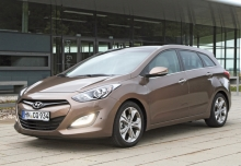 HYUNDAI i30, Front + links, Stationwagon, Braun